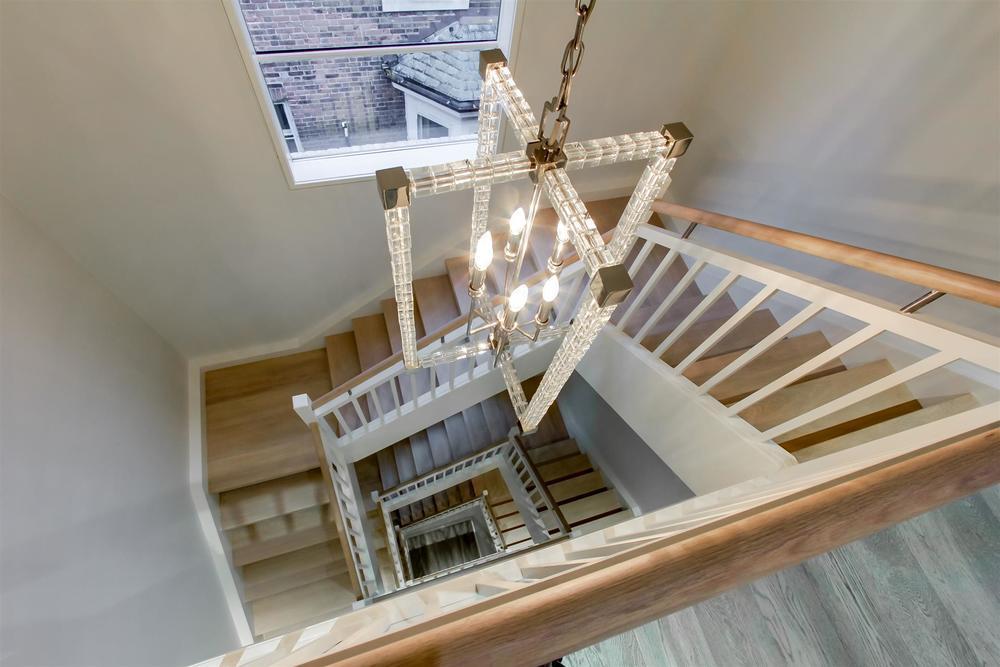 1009 - Parkwood Stairs.jpg