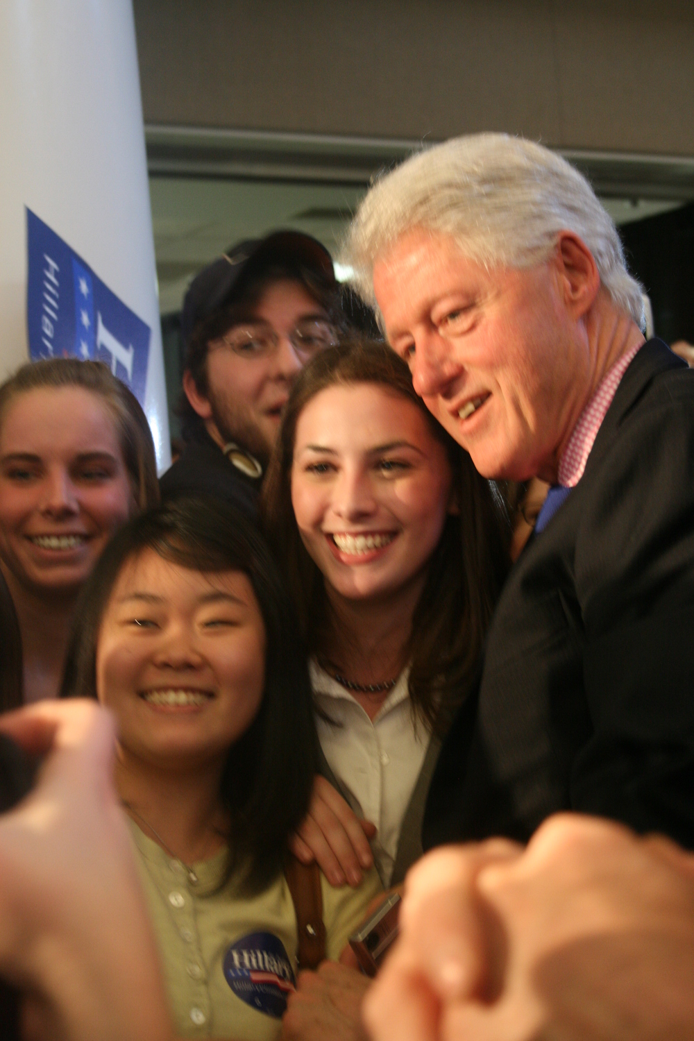 clinton-visits-mary-wash.jpg