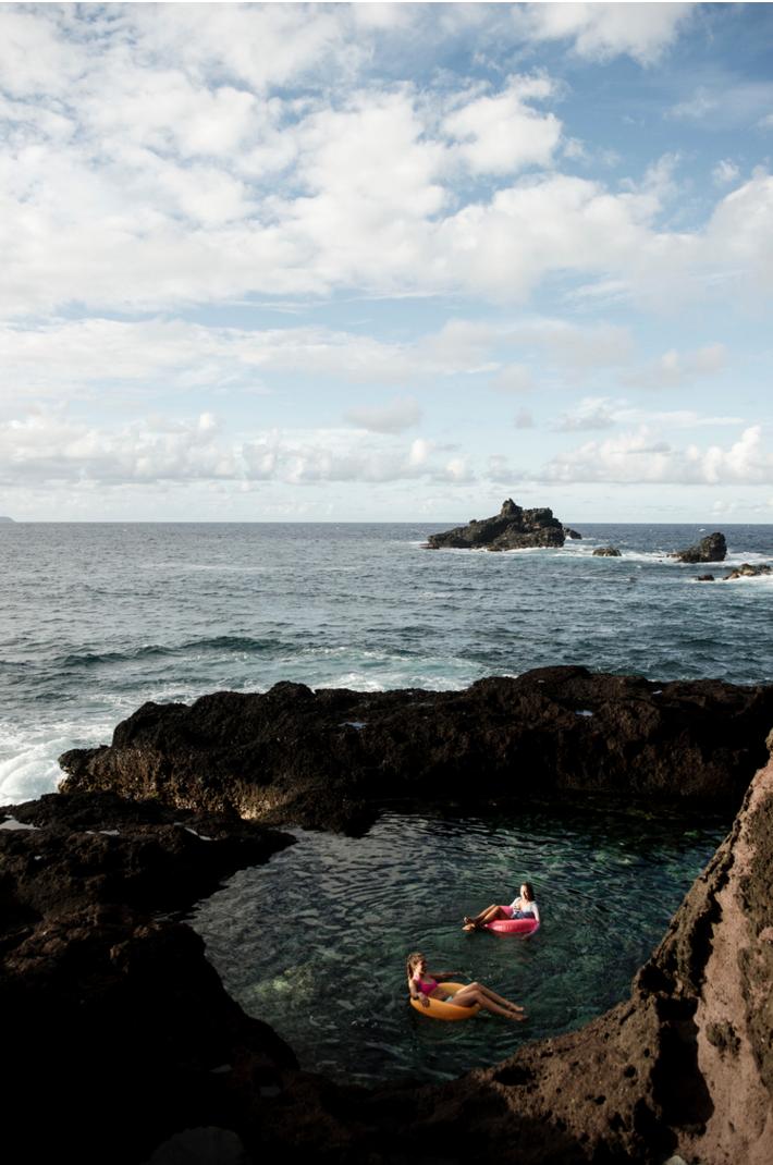 rockclimbing_ocean_ashleycamper