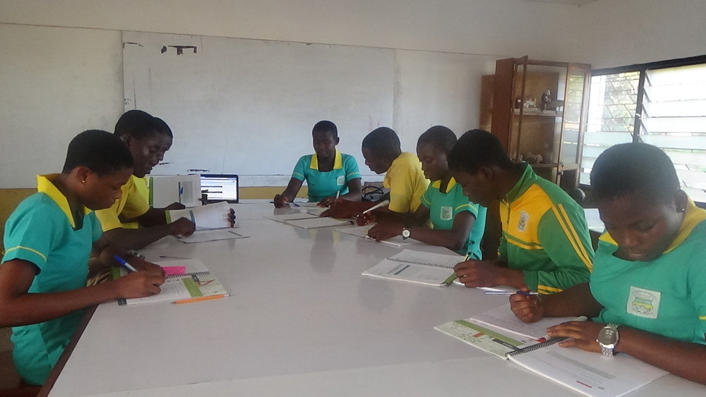 Ghanaian students working on the energy challenge. Photo © IREX, Flickr.