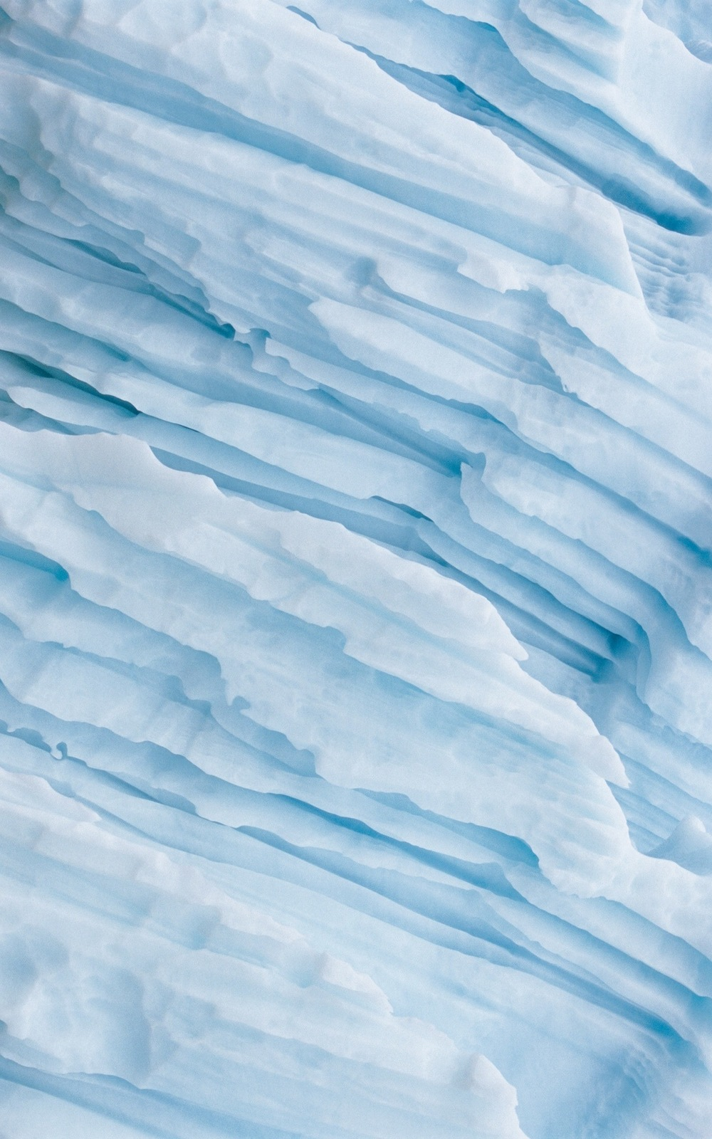 Natural-Fold-Frozen-Iceberg-iPhone-Wallpaper.jpg