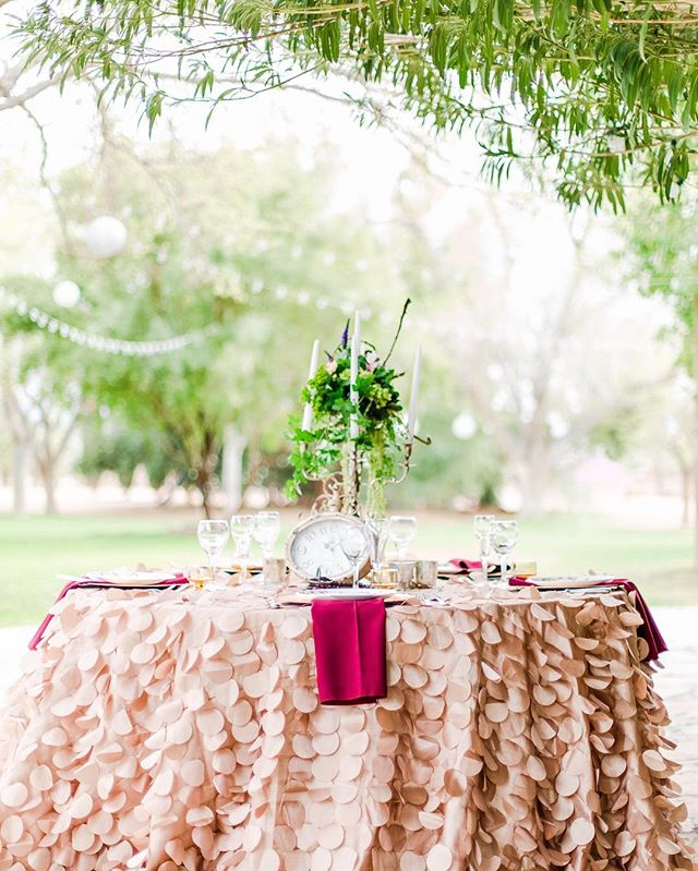 We can never say it enough - it's all in the details! Head on over to our blog to check out some of our favorite tablescape projects. You can never get enough paper inspo, am I right? 🤷🏻‍♀️
