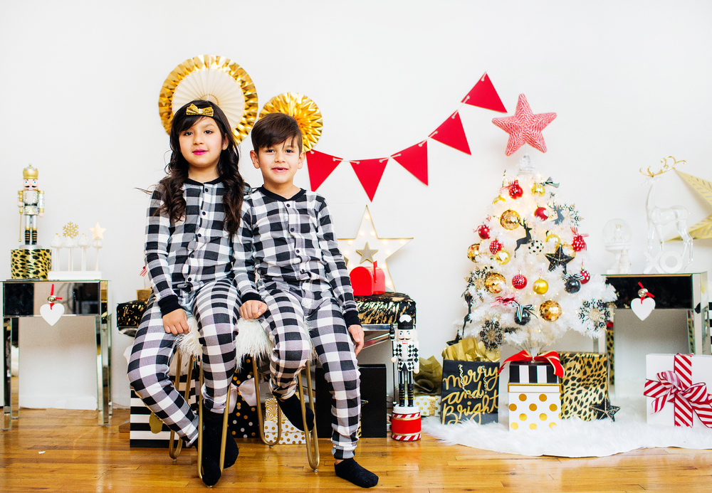 BONITO KIDS HOLIDAY! We decided to post a few more pics here of our lovely HOLIDAY Styled shoot. If you have not yet seen the main photos, I say stop right here and  CLICK HERE  to see those first.
