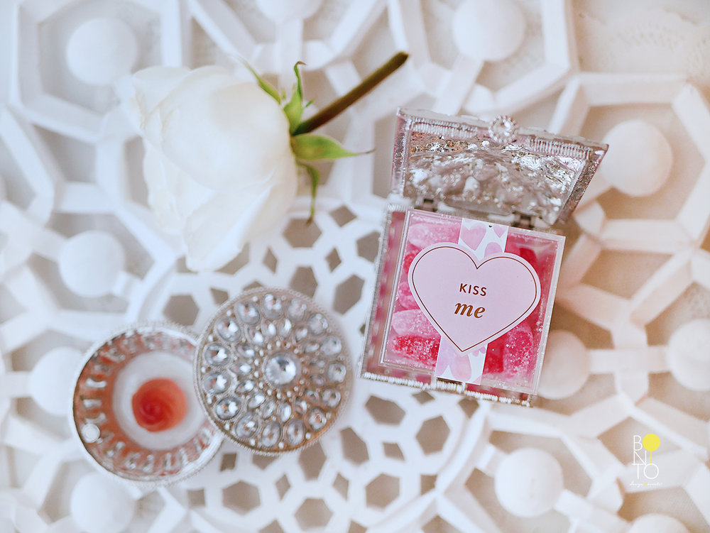 Happy Valentine's Day! Feliz Dia De El Amor! A Little Sugar for your Sugar! Pretty Candy is the way to go for a Valentine Gift or to show Love to someone. Here I am showing you how we styled our candy picks for this day.