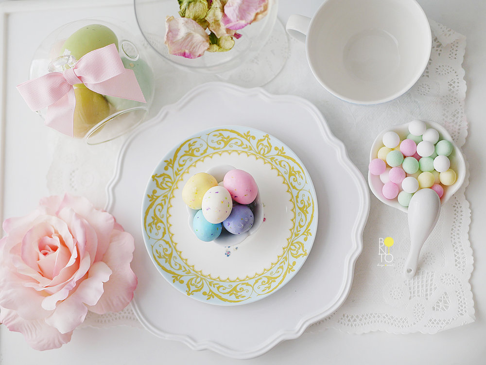 Happy Easter! Sharing a few Spring and Easter Inspired decor. We love spring and totally crushing over the usage of spring colors. Pastels are so such dreamy and chic colors.