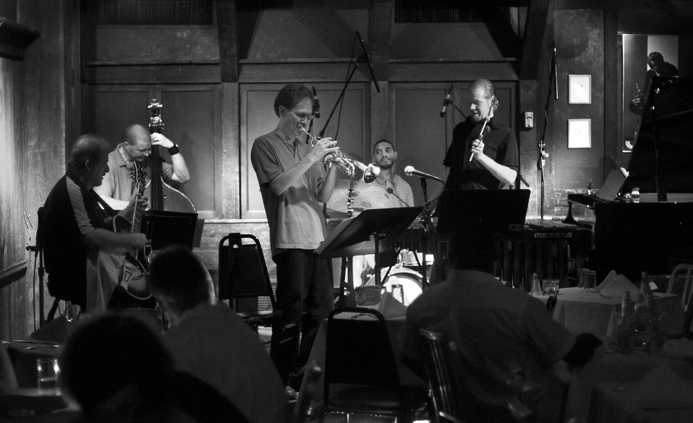 Giordano performing with his quintet at Chris' Jazz Café in Philadelphia.