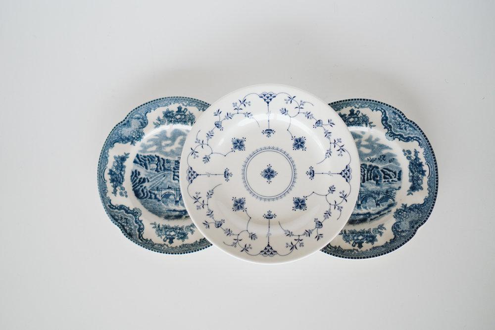 BLUE & WHITE APP PLATES