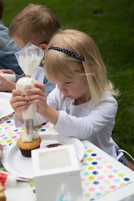 cupcake party12.jpg