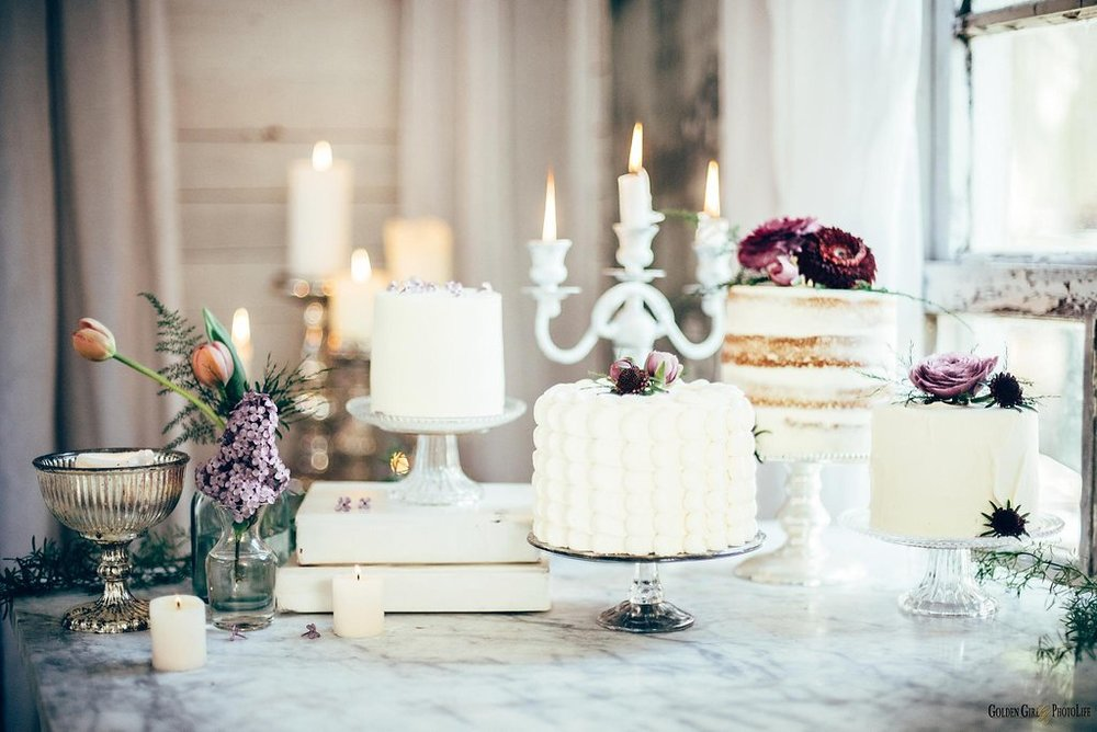 seattle-tiny-house-styled-shoot-wedding-cake-design_0008.jpg