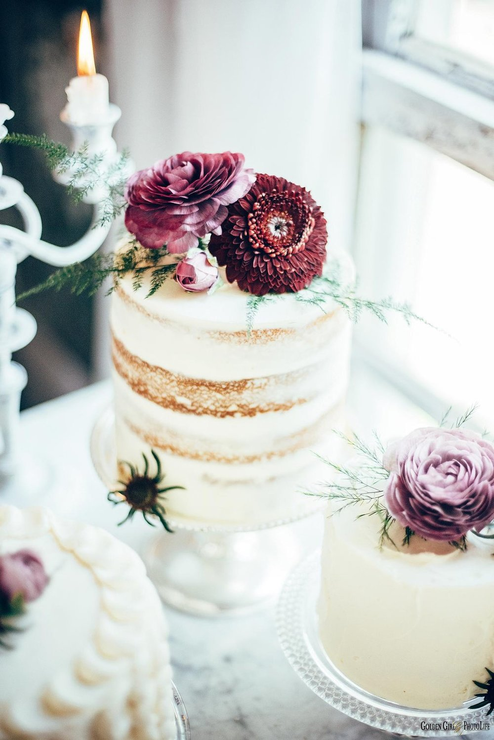 seattle-tiny-house-styled-shoot-wedding-cake-design_0011.jpg