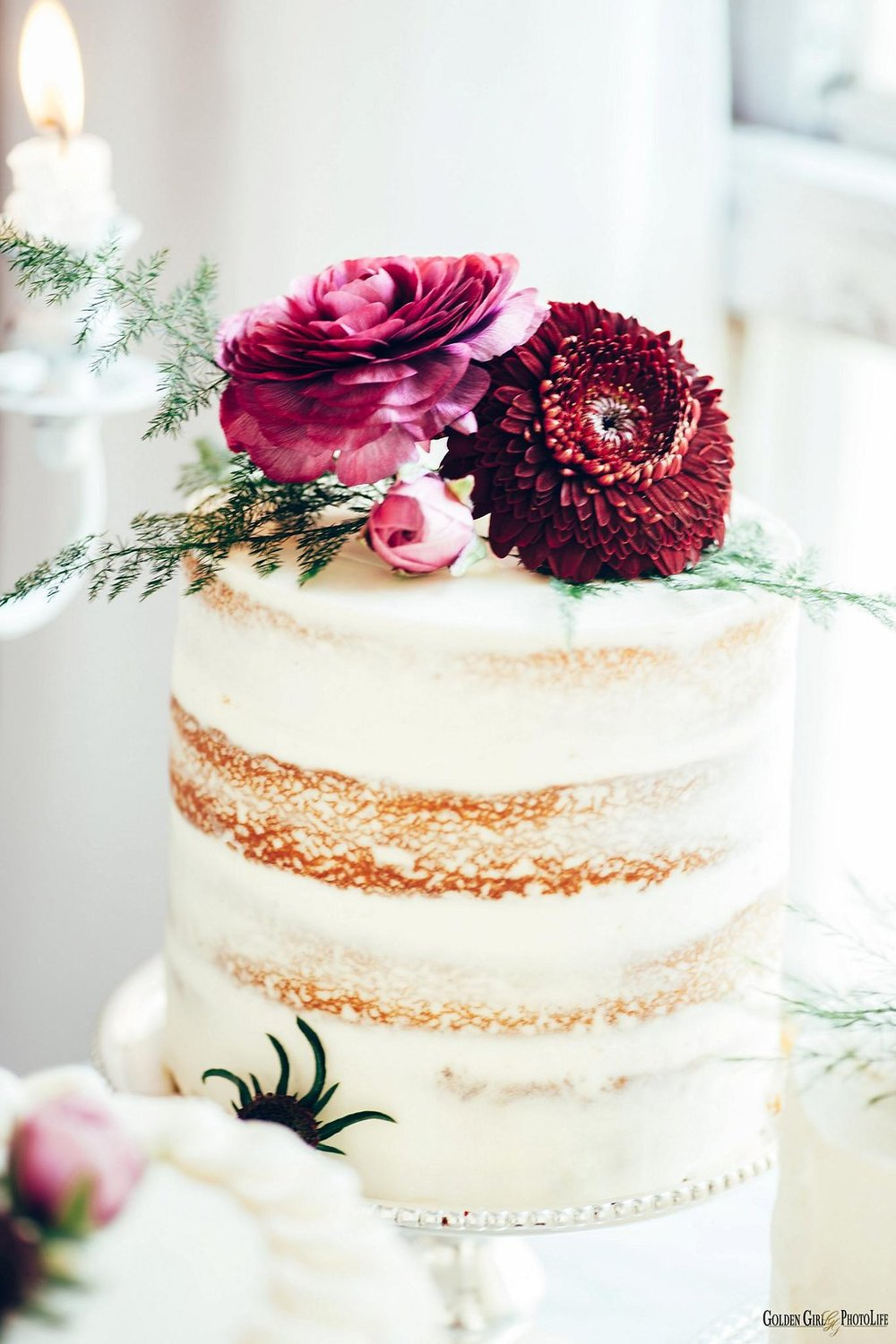 seattle-tiny-house-styled-shoot-wedding-cake-design_0003.jpg
