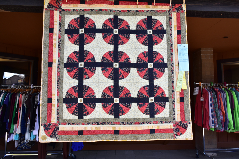 Photos from  Mount Bachelor's Quilter's Guild