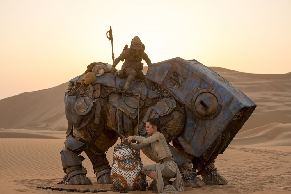 Rey, BB-8 and a Scavenger on a Luggabeast