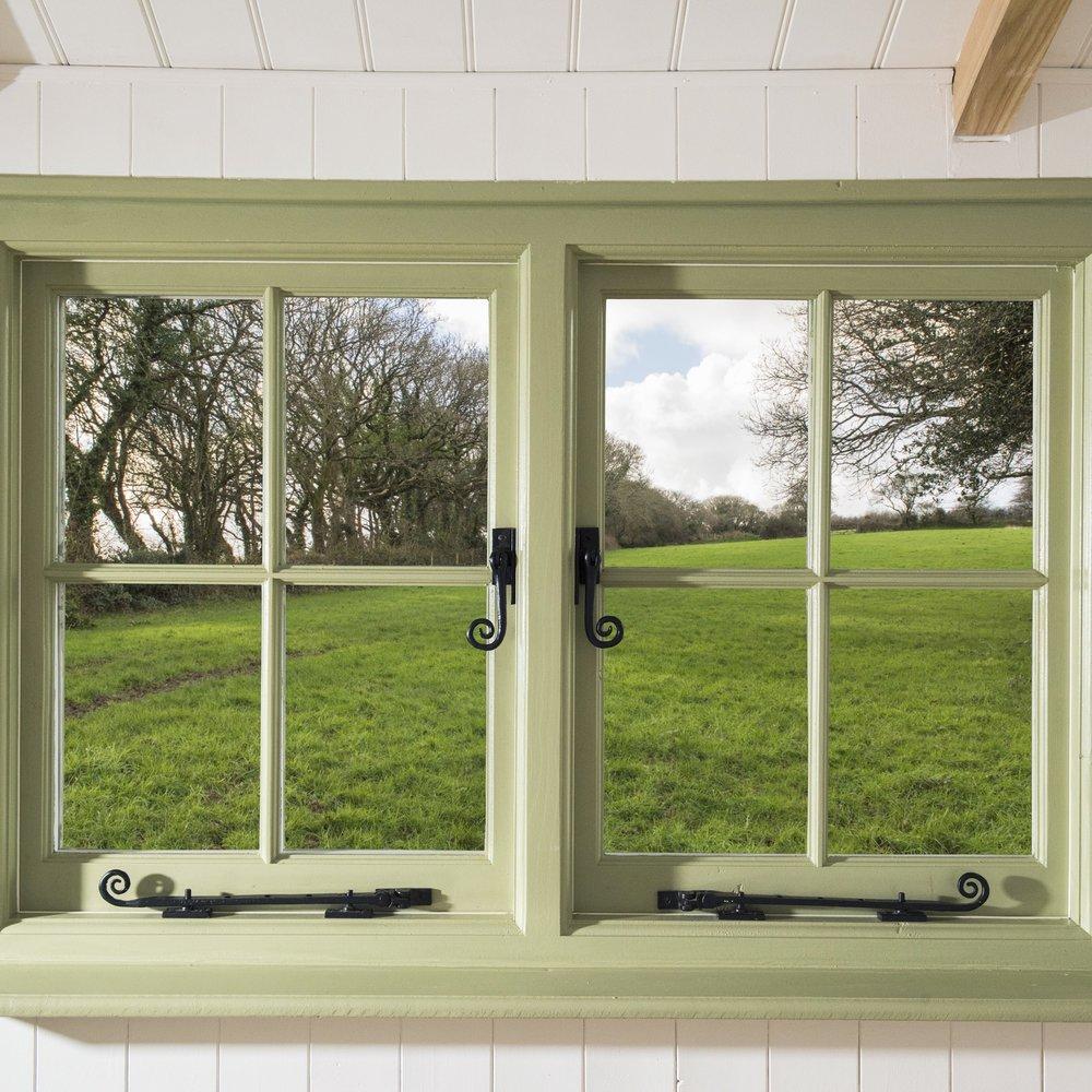 Shepherdshut-window.jpeg