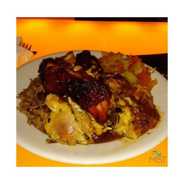 It's Caribbean Corner Monday here at #MISTHarlem. Join us by the bar at 5pm as we kick off our $5 Jerk Chicken & Curry Chicken Plates. Don't forget to ask about our $6 Oxtails Plates all served with rice & peas a side of vegetables & sweet plantains 😋 #CaribbeanCornerMondays #MISTHarlem #CaribbeanFood #Oxtails #Curry #Chicken #JerkChicken #Harlem #NYC #GoodEats #Vibes