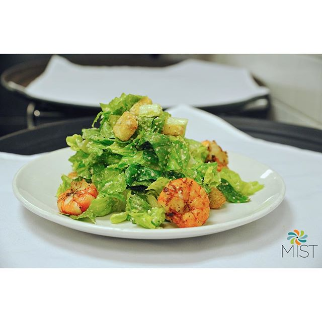 Join us for #DinnerService & try our delicious Caesar Salad With Spicy Grilled Shrimp 🍤🥗 #Shrimp #Salad #Caesar #Dinner #Food