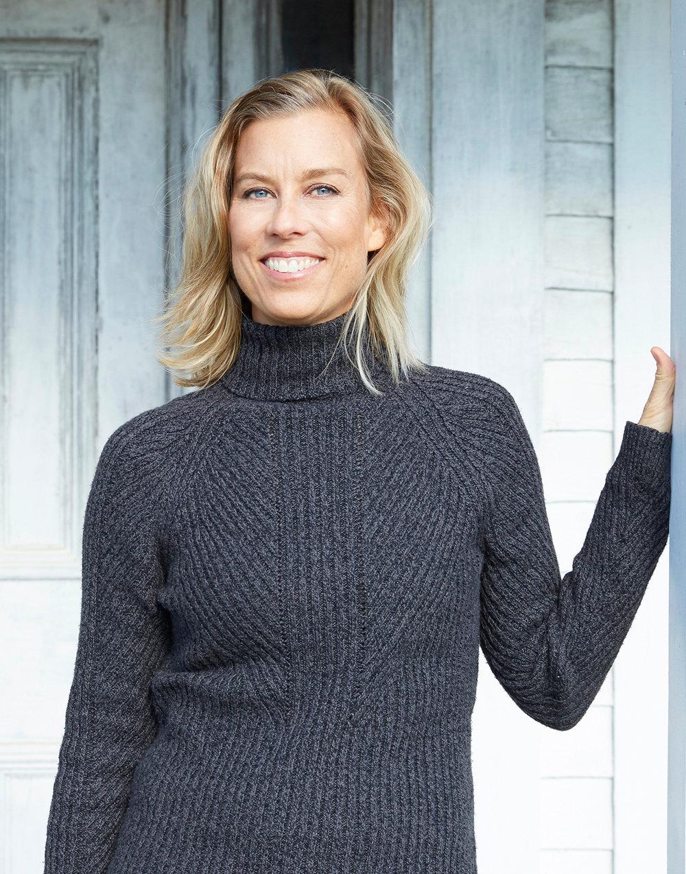 Marika Lindholm - Esme