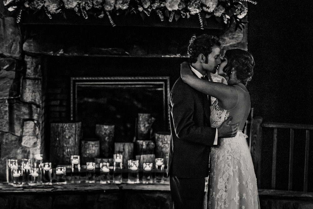20170930-paul-seiler-photography-raleigh-wedding-photographer-nc-carraway-barn-at-valhalla-0654.jpg