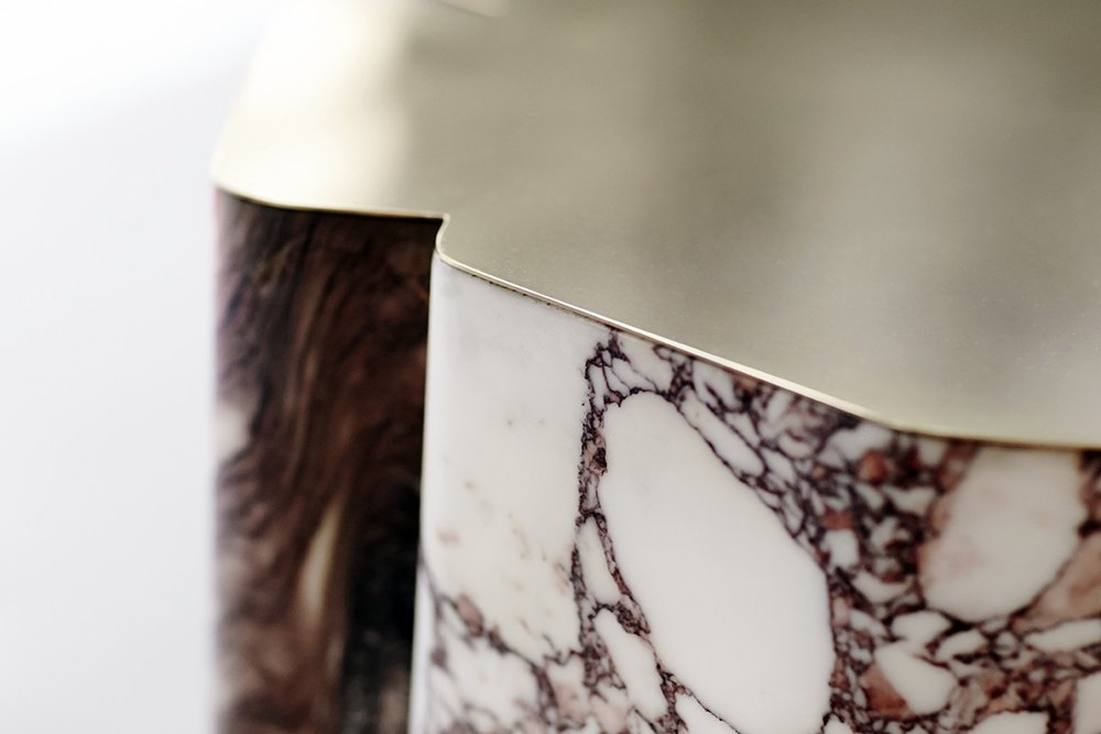 DC1615: Marble & brass coffe table. Design by Vicenzo De Cotiis.