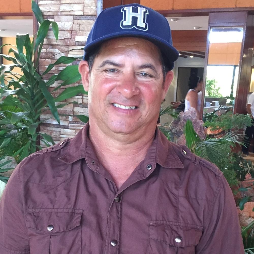 Coach Oscar Luis Gil Rey