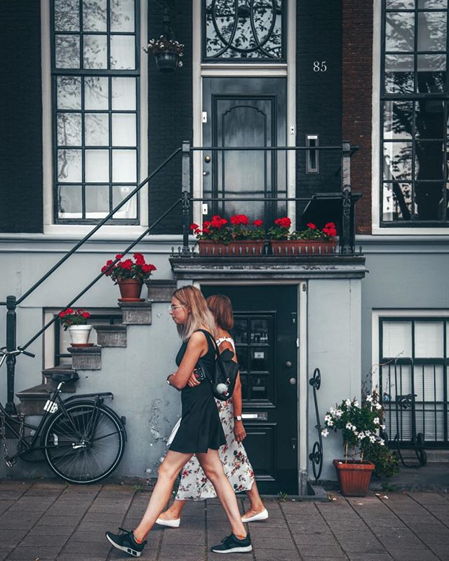 Have a happy Friday, people! .  #amsterdam #amsterdamcity #facadelovers #doorsofinstagram #windowsaroundtheworld #architecturelove #theverygirl #theprettycities #guardiantravelsnaps #iamsterdam #postitfortheaesthetic #postcardplaces #streetphotography_bw #traveldeeper #suitcasetravels #travelbuddies #thehappyplanner #thesimplethings #beautifulmatters #bikesofinstagram #living_europe #amsterdamworld #wanderfolk #wonderfulplace #bestplacestogo