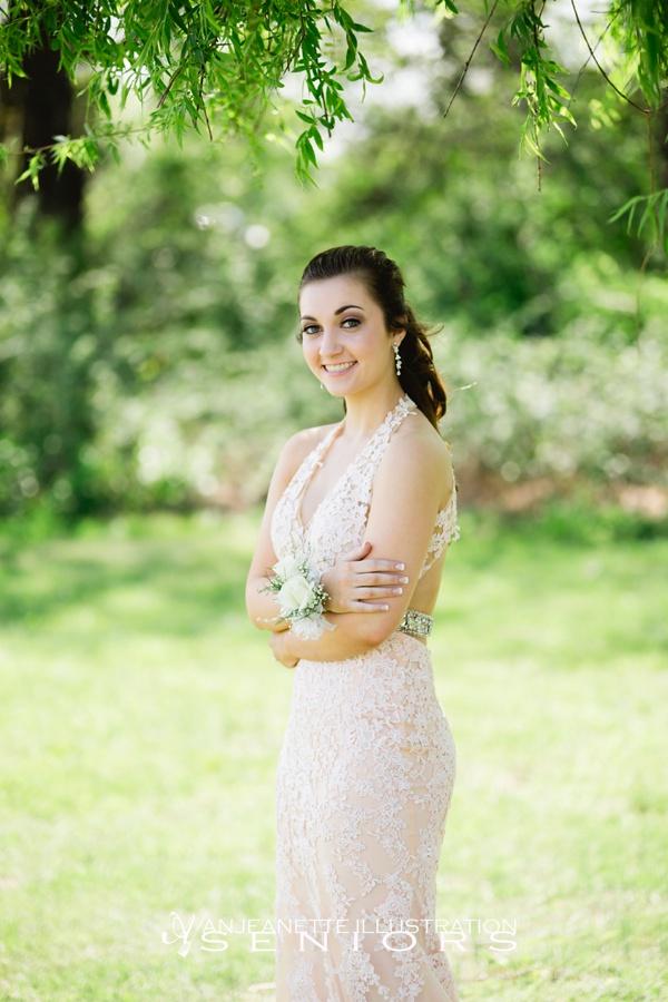 Hendersonviile, Tn Senior Pictures by Nashville Artistic Senior Photographer | Anjeanette Illustration Photography | Affordable Senior Portraits | Prom Photo sessions