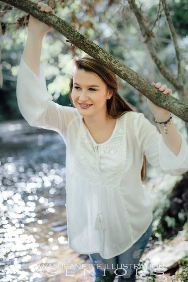Hendersonville Tn Senior pictures High school senior photographer Anjeanette Illustration Photography