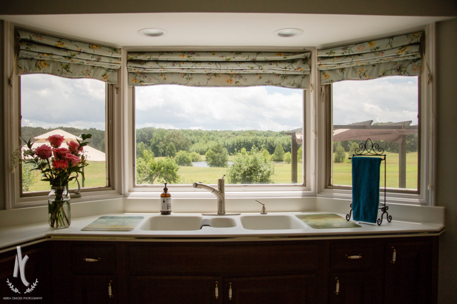 I don't think I would mind doing dishes here :)