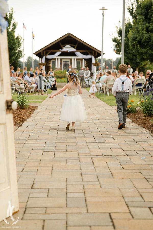 Gavin-Cierra-Discovery-Park-Wedding-28.jpg