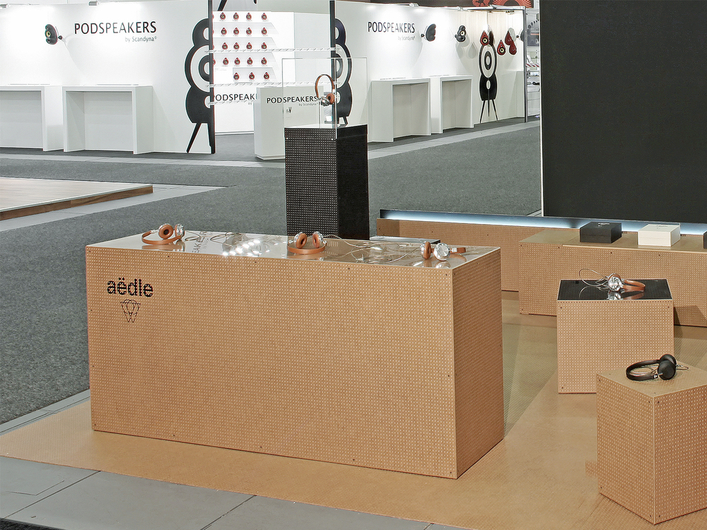 perron-aedle-stand-2.jpg