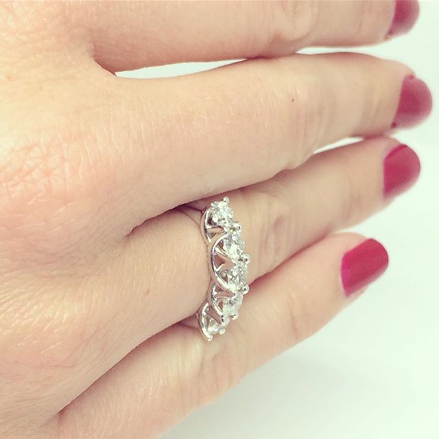 5 Stone Trellis #Diamond Ring by Fulgeo Diamonds 💎 #myfulgeo  www.fulgeodiamonds.com