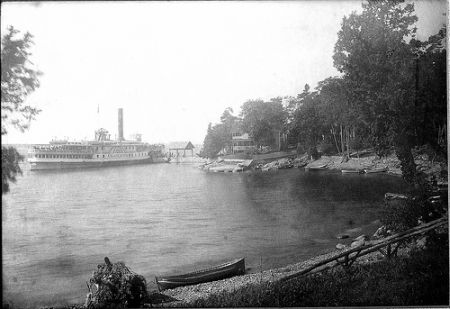 The old dock at the end of Thompsons Point, 1908