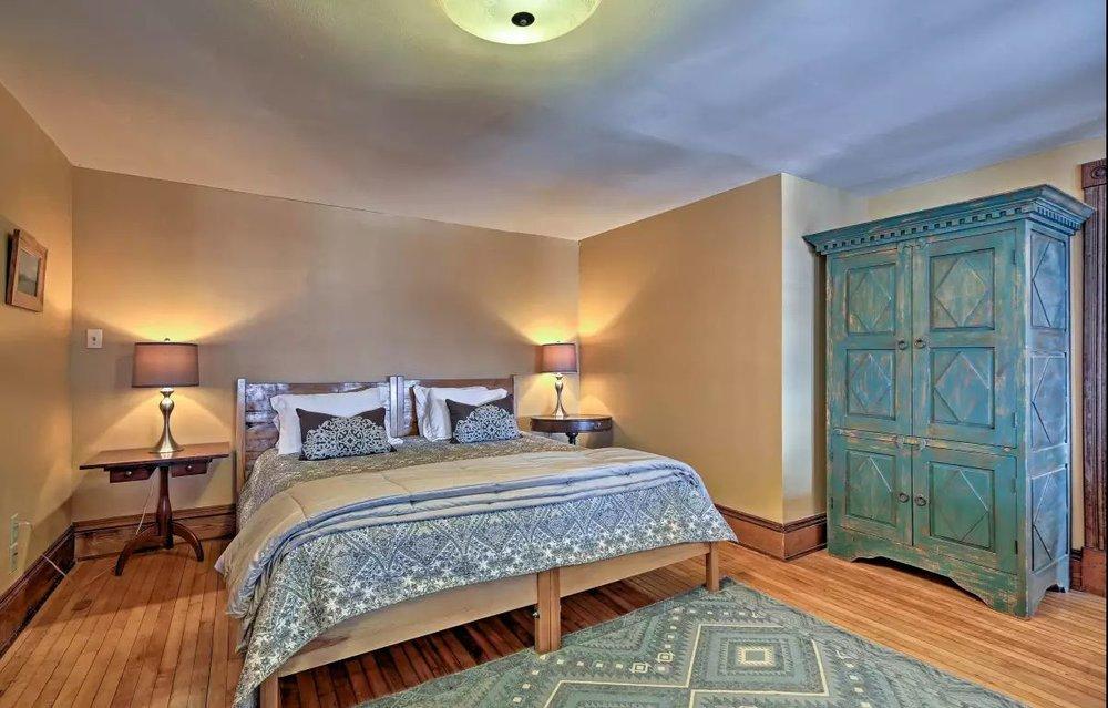 master bed1.jpg