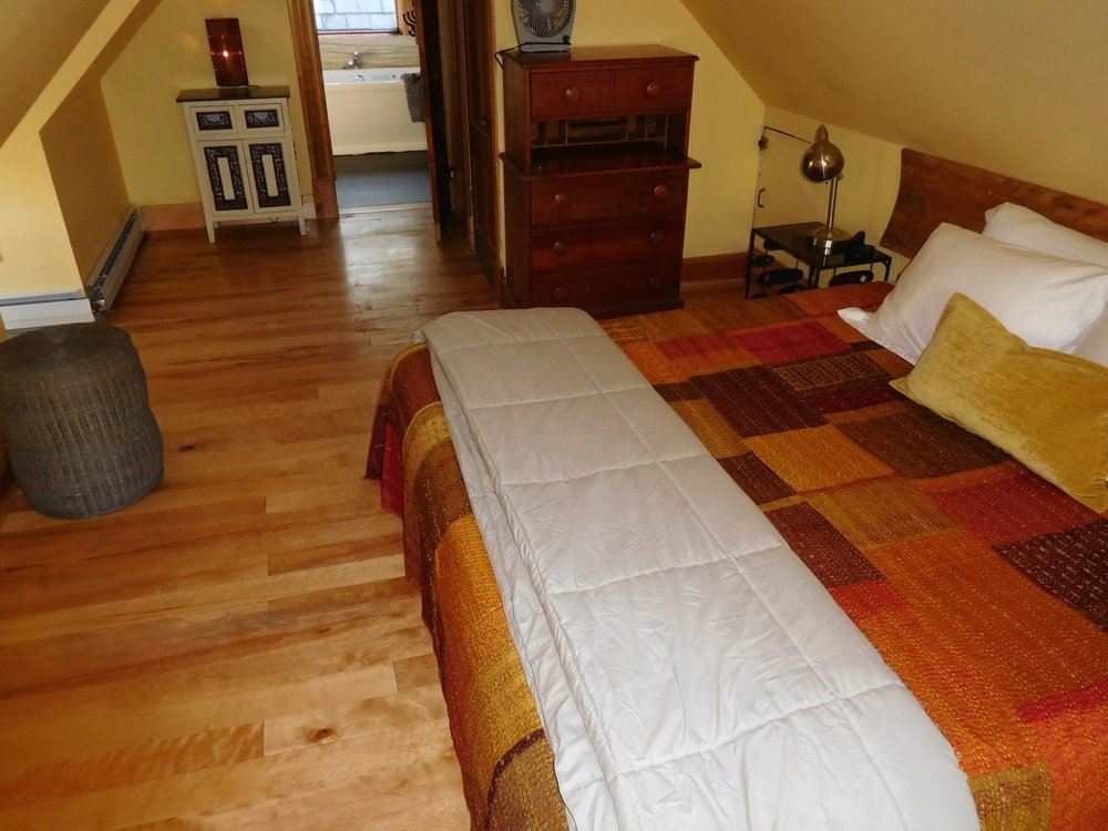 Carriage House upstairs bedroom