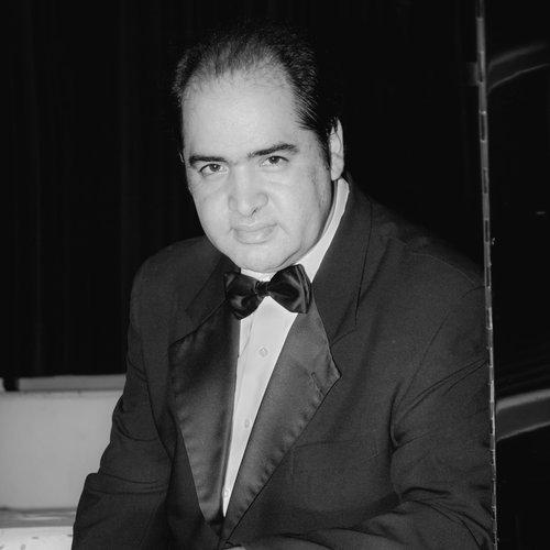 Heber Morales  Director del Coro / Pianista