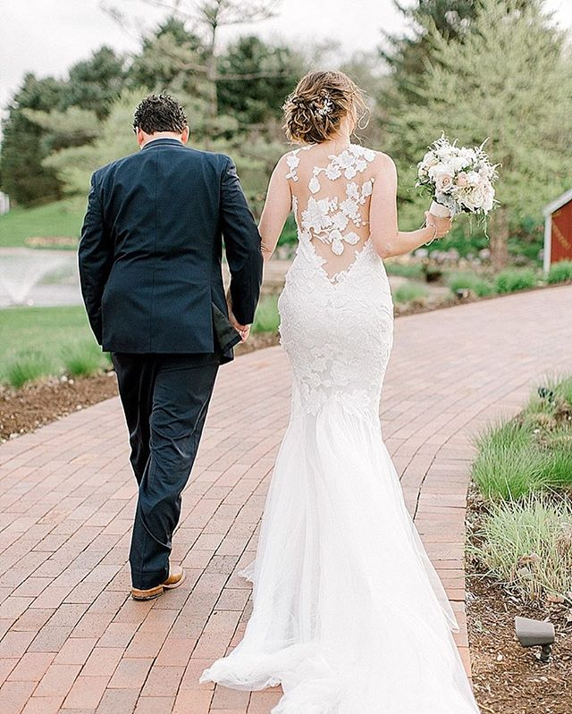When @courtney_martin30 tried this gown on, we just knew it was the one 😍