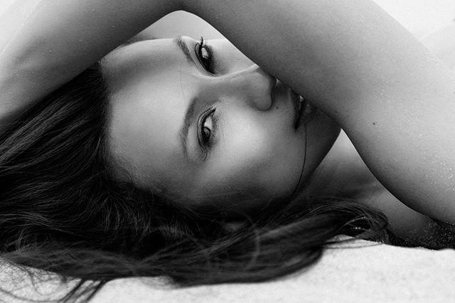 SUMMER'S COMING... #virginiabeach #monochrome #cleanmakeup #black-and-white #FaceTime #beauty #mua #lotd #makeup artist #artist