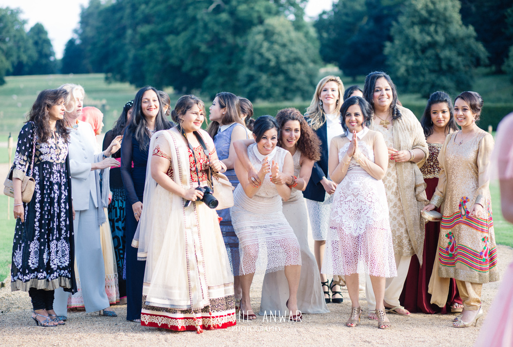 Althorp House Northamptonship luxury muslim asian wedding Princess Diana ancestral home London  throwing of the bouquet