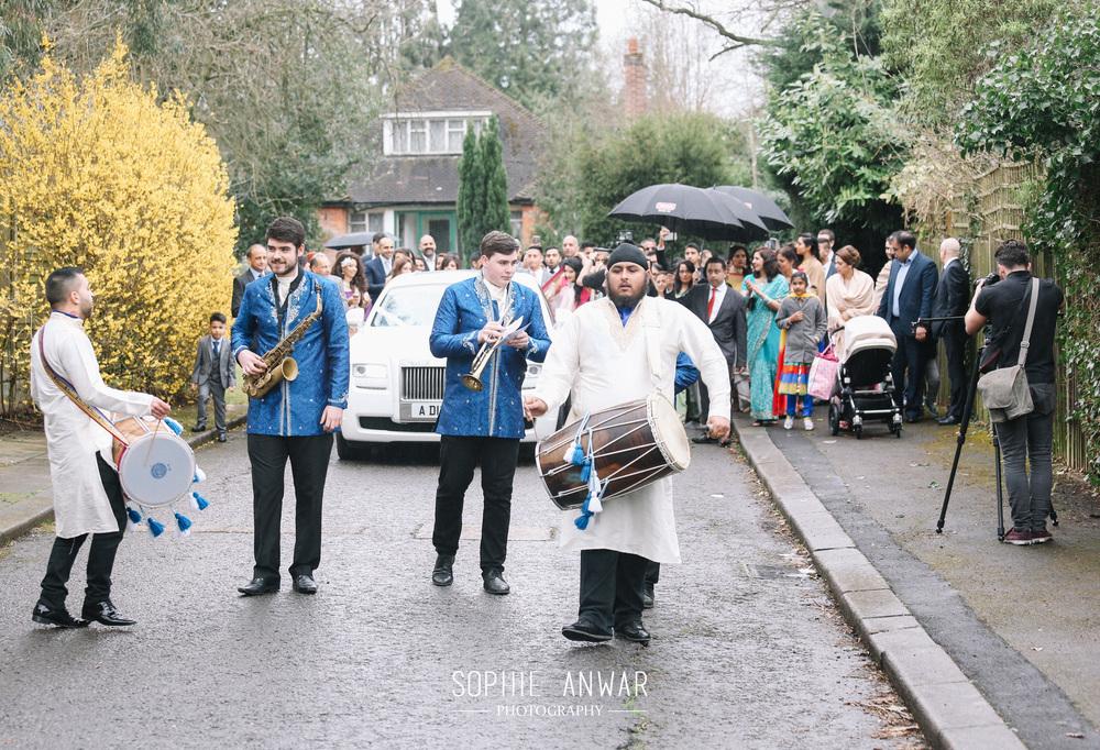 Sikh ceremony havelock Road Gurdwara sikh wedding - lengha bibilondon Milni london luxury weddings Sophie Anwar photography bharat entrance pinner ruislip moorpark