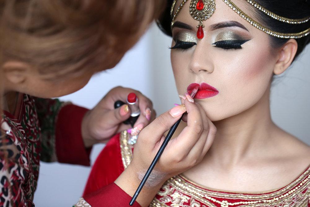 Sumaiaya gets married to Mitu at the Royal Nawaab Ruilsip wedding photographer