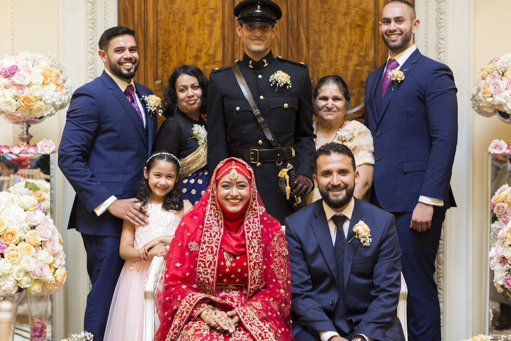 zara gets married to Mohammed at Hedsor house Marlow wedding venue family portraits after nikahceremony Sophie Anwar photography