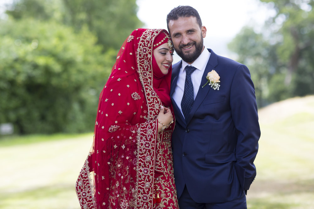 zara gets married to Mohammed at Hedsor house Marlow wedding venue family portraits after nikah ceremony Sophie Anwar photography