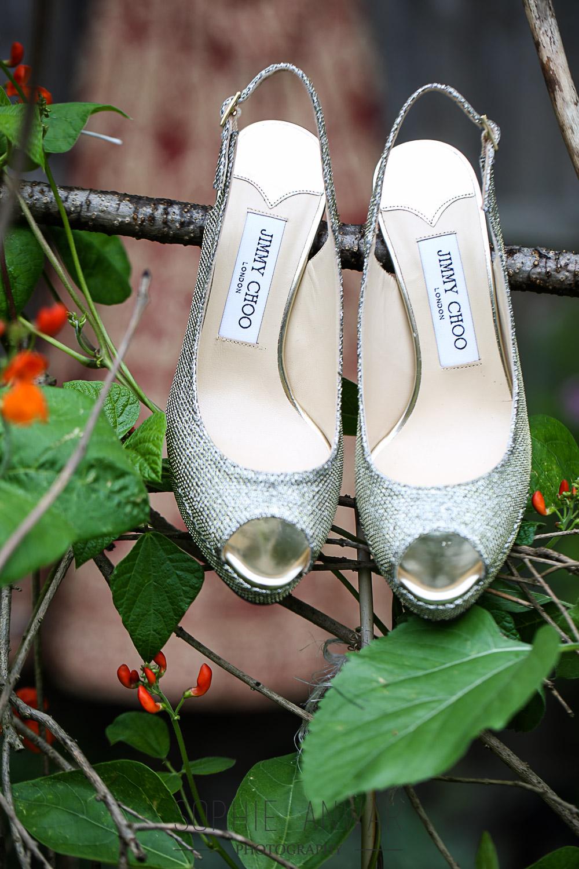 Sumaiya gets maried Ruislip wedding photograher luxury photography Nawaabs perivale london jimmy choo shoes