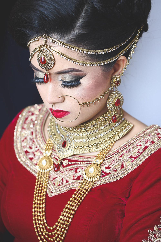 Sumaiya gets maried Ruislip wedding photograher luxury photography Nawaabs perivale london bridal portrait