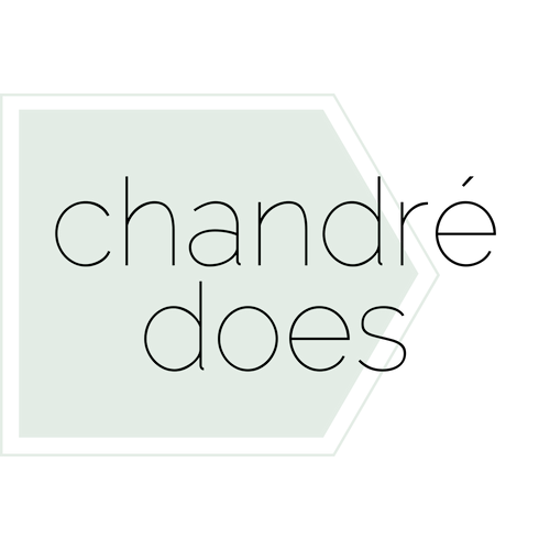 Chandré Does