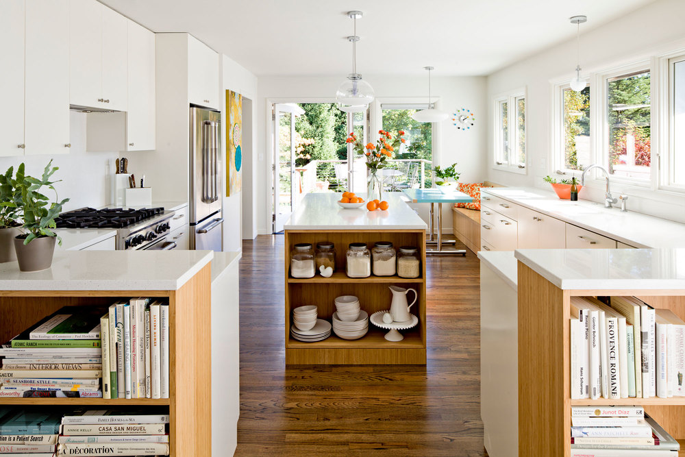 Kitchen with white lacquer and bamboo cabinets