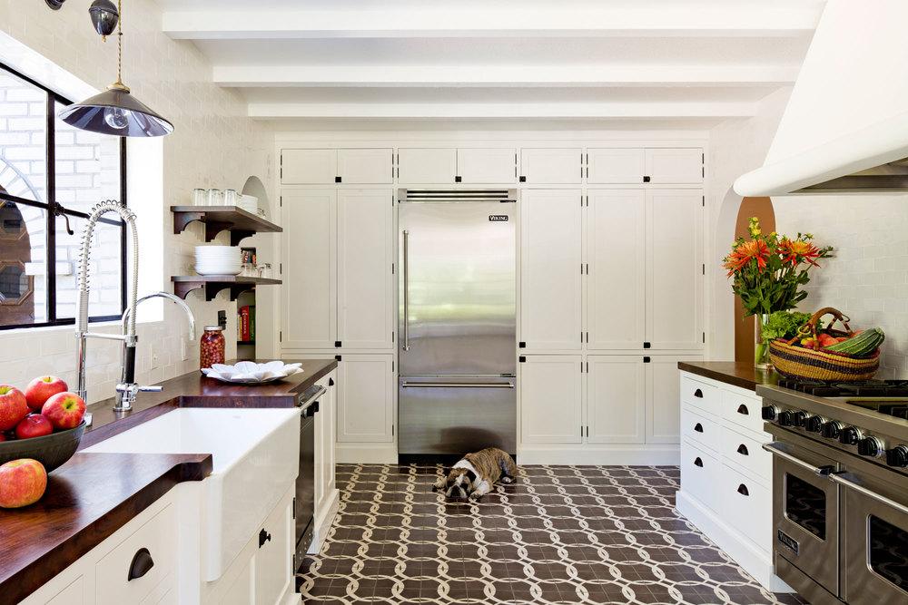 white brick mediterranean — jessica helgerson interior design, Esszimmer