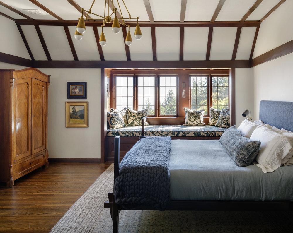 16 - Master bed.jpg
