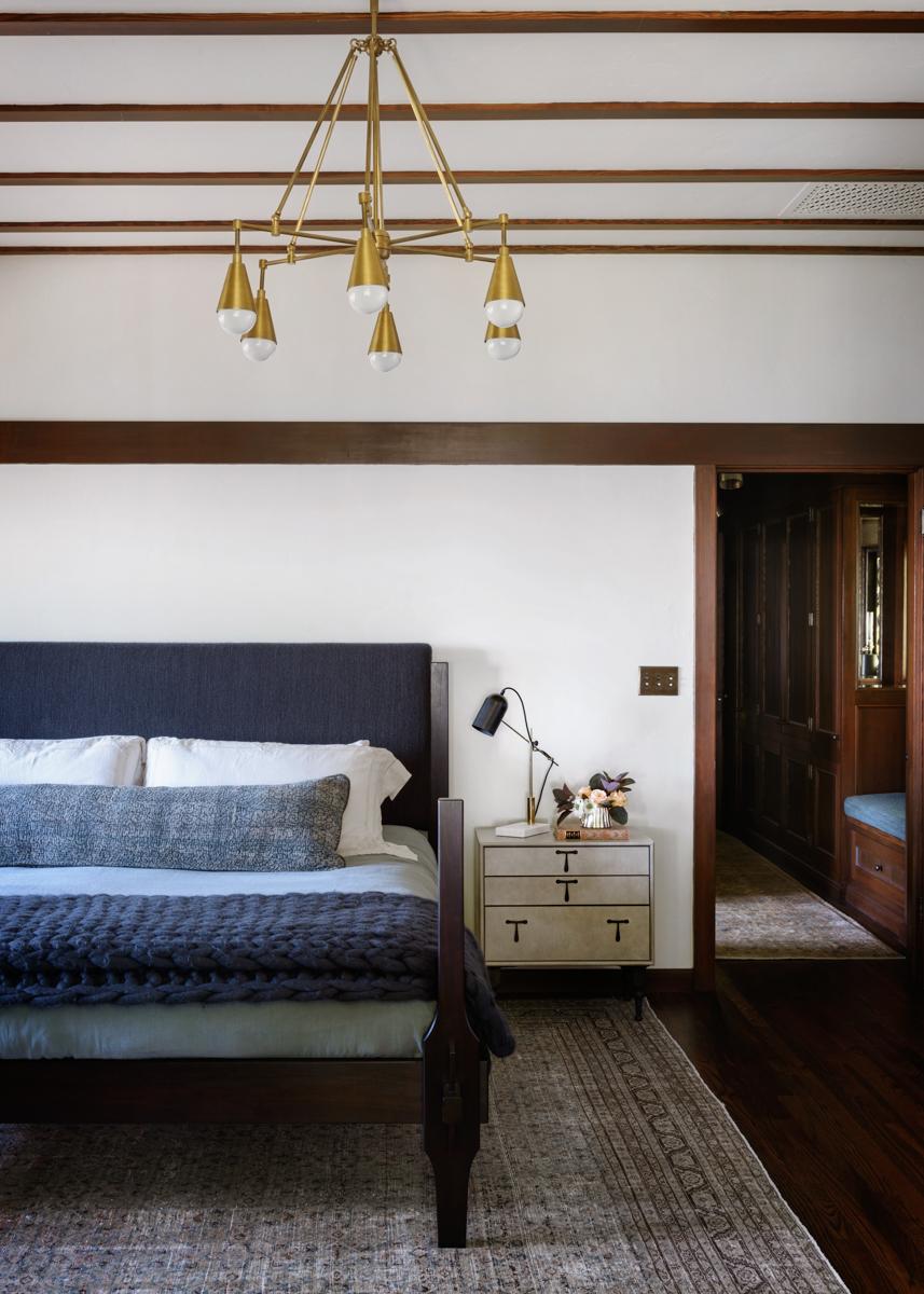 15 - Master bed-2.jpg