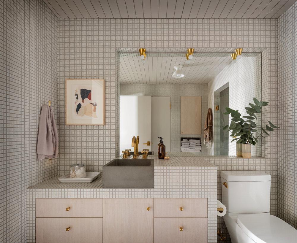 14_JHID_PearlLoft_bathroom.jpg